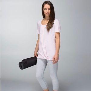 Lululemon | NWOT Heathered Barely Pink Twist Tee 4